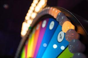 【初心者必見】マネーホイールの基本ルールがすぐわかる!賭け方や攻略法も詳しく解説
