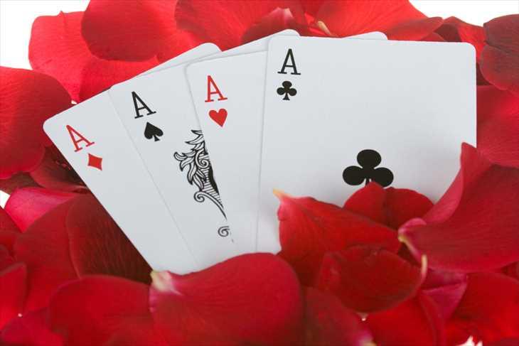 テキサスホールデムはどんなゲーム?ベラジョンカジノでの遊び方や攻略法を紹介!