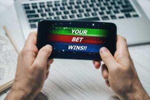 オンラインカジノの攻略ツールとは?自動化をおすすめできない理由とリスクを徹底解説