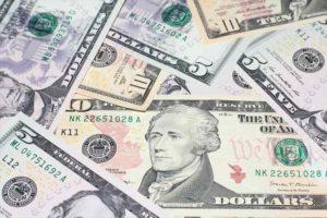 オンラインカジノで理想的な軍資金は500ドル!