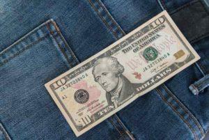 オンラインカジノに必要な軍資金は10ドル以上!